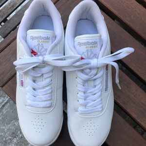 Reebok Shoes - Classic Women's Reebok Princess white sneakers 👟